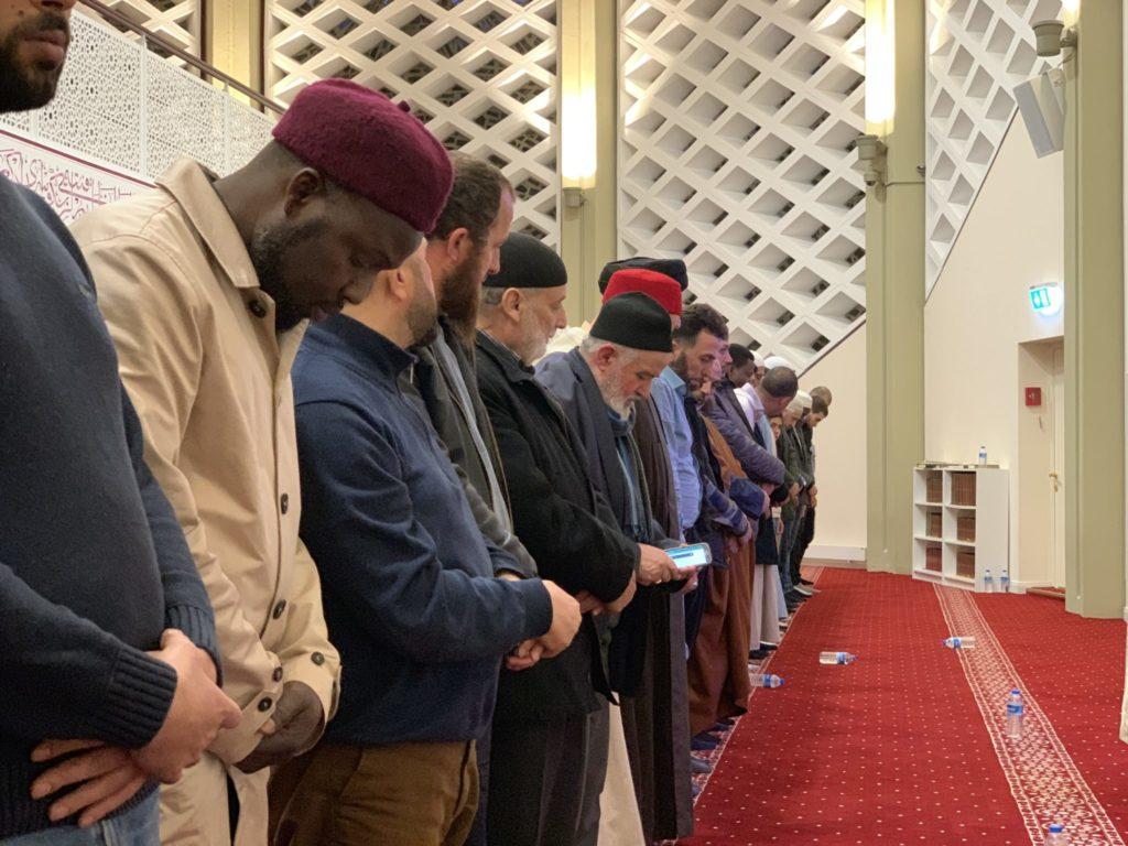 Betende Muslime - Schura Hamburg