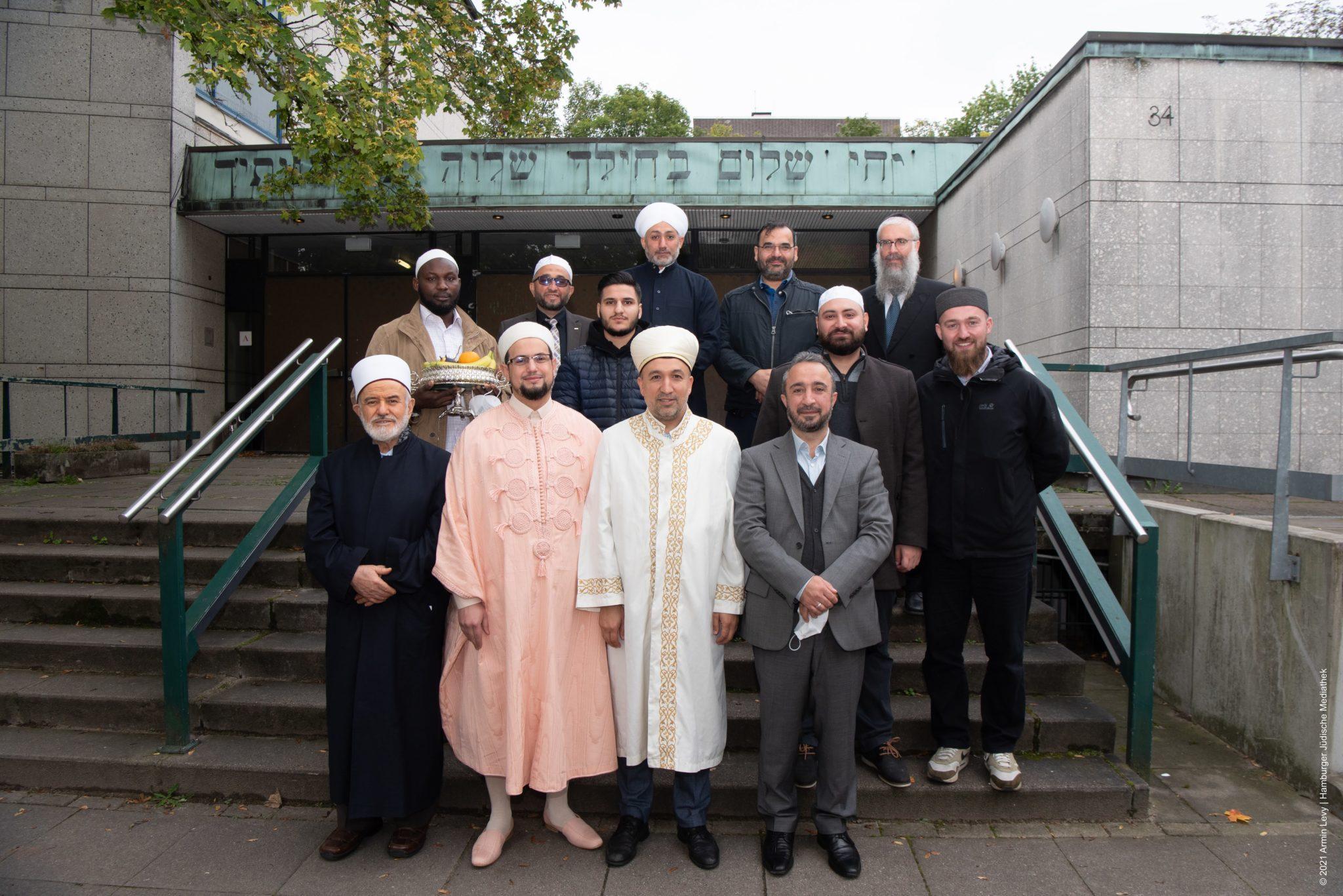Besuch von Imamen Synagoge Hohe Weide c Armin Levy Raawi Juedisches Magazin 6055 scaled